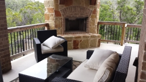 Outdoor living spaces that are readily accessible from the house greatly increase the sense of house size.